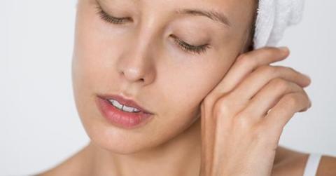 Yang terjadi jika kulitmu over-exfoliate dan begini cara memulihkannya