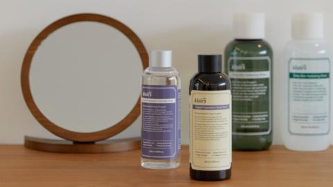 Supple Preparation Toner vs. Daily Skin Water. Ini perbedaan keempat toner dari Dear, Klairs