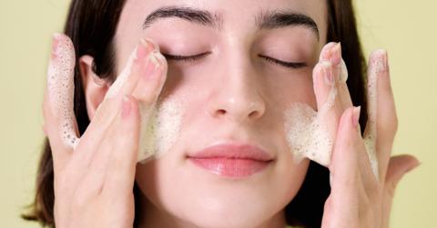 Double Cleansing pada skincare, wajib ga sih?